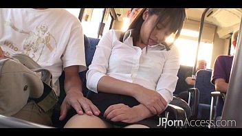 หนังxxx หนังโป๊ญี่ปุ่นเผลอหลับในรถเมล์ Saya Tachibana โดนข่มขืนหีทั้งรถ น่าสงสารสุดๆ แต่ต้องยอมจำนนต่อความเงี่ยน