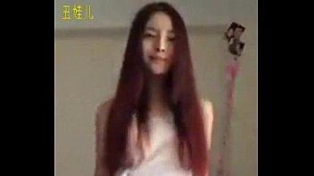 คลิ๊ปเสียว คลิปโป๊จีน ดูตอนแรกนึกว่าคลิปหลุดเน็ตไอดอลไทย ที่ไหนได้เป็นพริตตี้สาวจีนหีน่าเย็ด