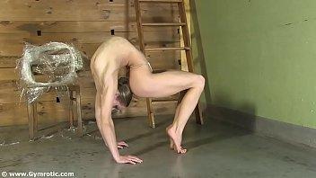 Порно с жопастой гимнасткой