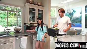 Cindy Starfall helping on the kitchen