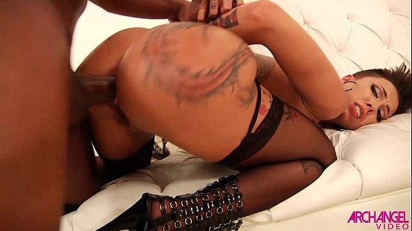 Video hd Bella Bellz nádegas macias em ação