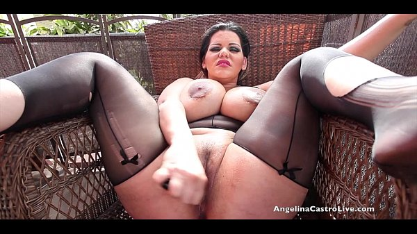 i love sucking on big hard cocks like yours