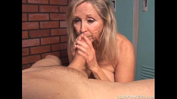 Arab suck hungry woman gets food and fuck 4
