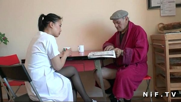 French Old Man Papy Voyeur Doing A Young Asian Nurse -3408
