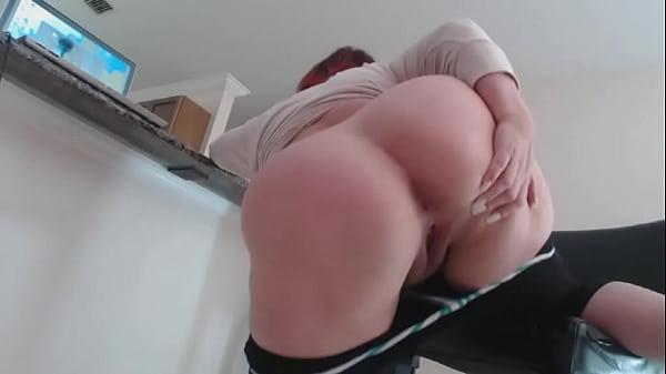 Nice big ass diamond kitty takes a dicking 3