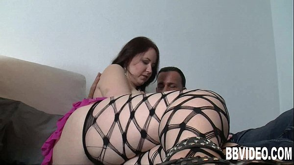 Busty brunette german harlot take cock in threesome