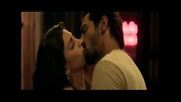Shruti Hassan Hot Kisses  Sexy Romantic Scenes -6279