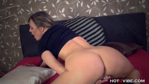 Amateur milf moaning
