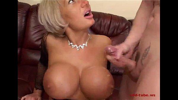 Mature wemen big tits and clits