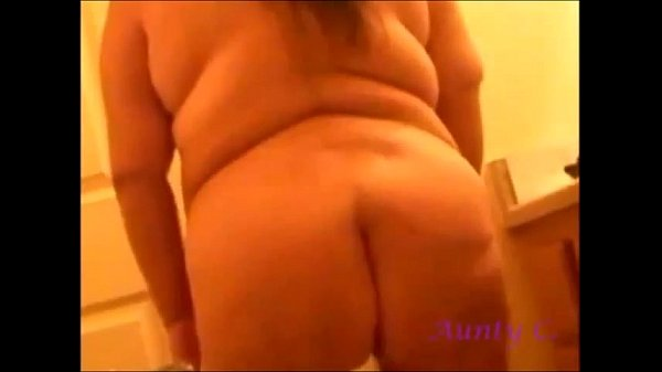 BBW-Shakes-Ass-For-Hubby