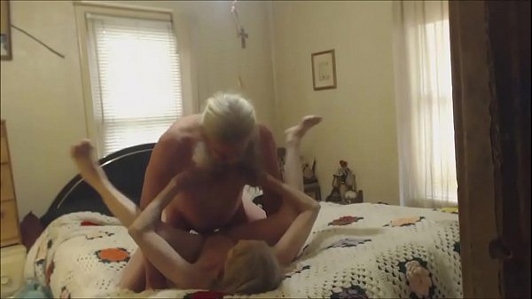 Chubby grandma knows how to suck black cock - 1 part 3