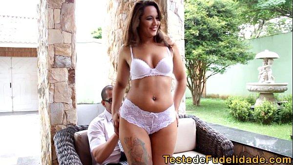 Gostosa brasileira trepando em porno nacional