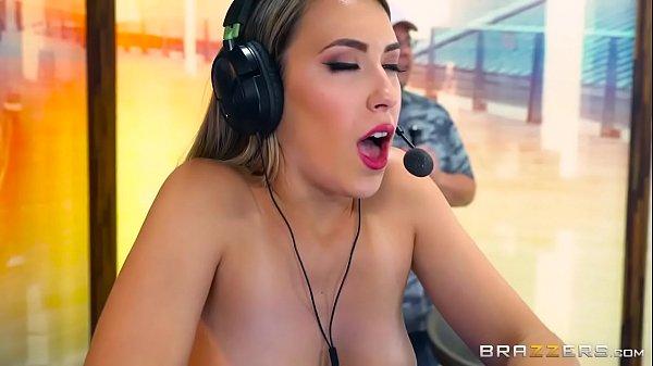 brazzer gamer girl