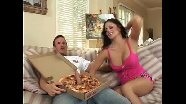 Big sasuage pizza