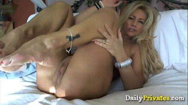 Hailey cute woman large toys shows her cervix - 2 6