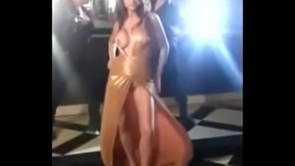 boobs hot Anushka sharma