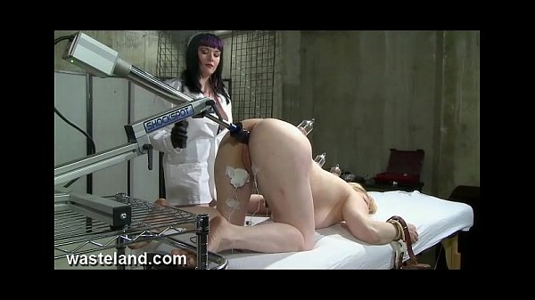 Screaming makeout doctor bondage