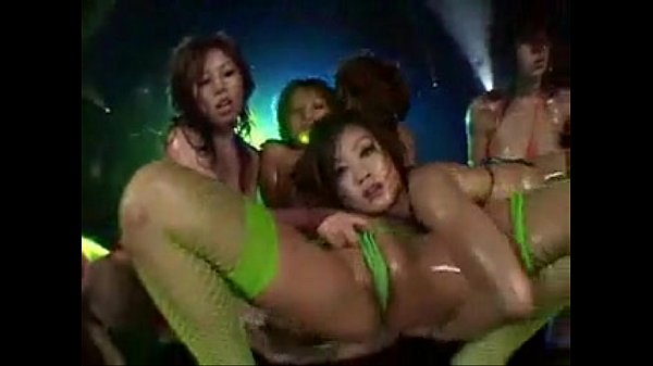 Women Damn japanese bikini dance how Julia