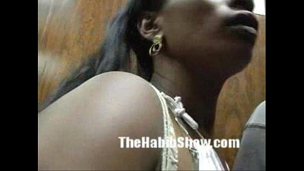 Amador de mulatinha brasileira sugando pica e trepando