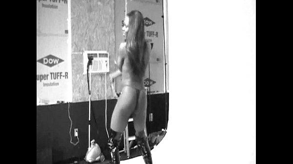 в– Imvu Dance  (1/?)  Comment a song.