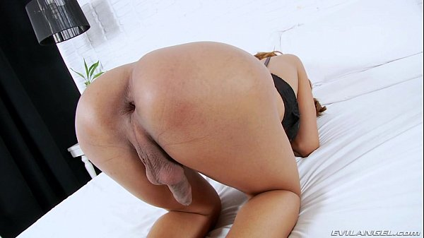 Big butt latina toying pussy on webcam 4