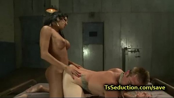 Her dude fucked by tranny threesome!