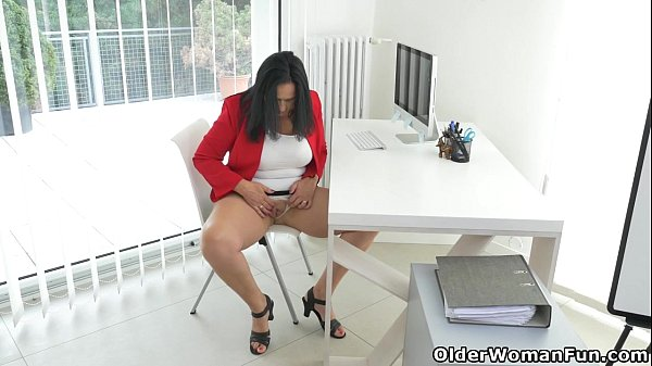 Milf secretary ria black takes a break from accounting 3