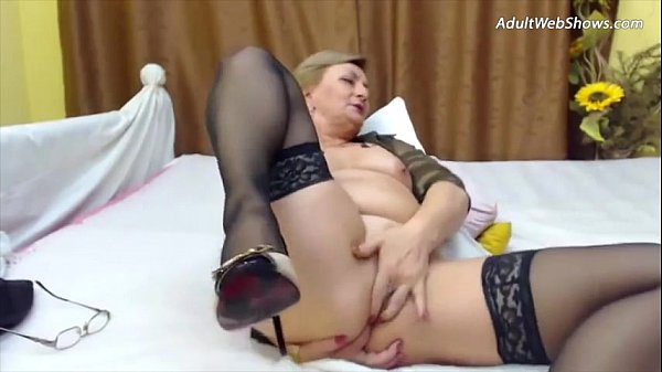 This granny needs a cock