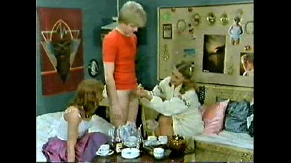 Classic Porn Family-Kids Play Doctor And Mom Joins In -7475