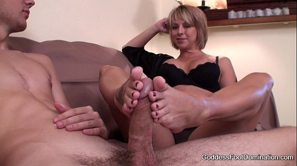 hot momma gives a lesson in anal