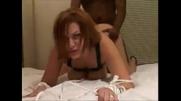 Does anyone know her name? Or have complete video leave the link!!