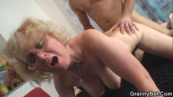 Lonely 70 Years Old Granny Slammed From Behind - Xvideoscom-1069