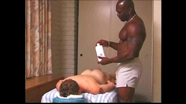 el masajista es gay