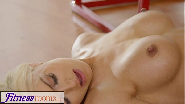 Milf solo after gym and tied noise