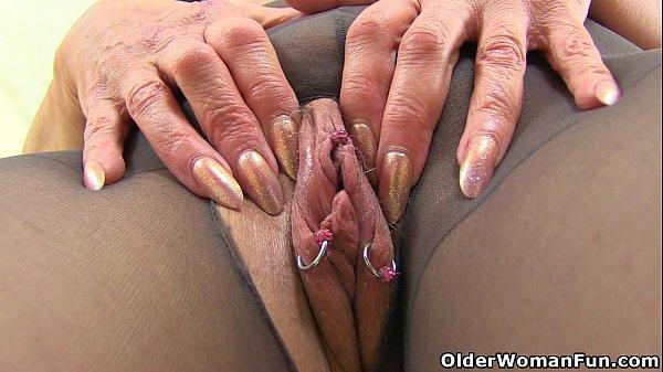English gilf pandora peels off tights and tastes her pussy 6