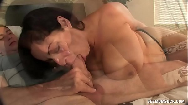 girl fucking guy with strap