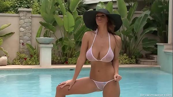 Micro bikini photo shoot