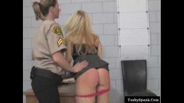 blonde shows how kinky she can be