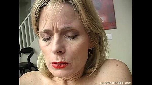 Deep mature women sucking