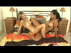 teen babes in lesbian action