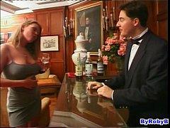 La puttanona e il barista...