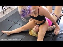 Cynara s scissor squeezeout female wrestling 8