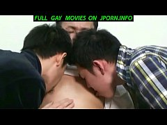 2 cute Japanese guys who meet in the park and t...