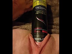 "Young slut fucks gaping pussy with 6.3"" round h..."