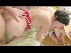 He Caught Petite Step-Sister and Seduce her to ...