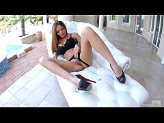 Subil Arch gets a load of messy creampie deep i...