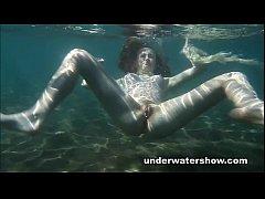 Cute Nastya is showing her beautyful body under...