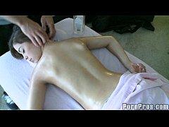 creep masseuse fondles booty latina.3