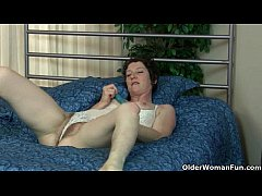 Hairy milfs Artemisia and Inge put their dildo ...