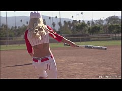 Baseball Loving Blonde Stevie Shae Loves An Aft...